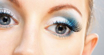 latest beauty trends, the art of makeup will enhance the beauty of your eyes