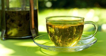 tips for healthy lifestyle - green tea is one of the best natural medicines for fighting stress and illnesses