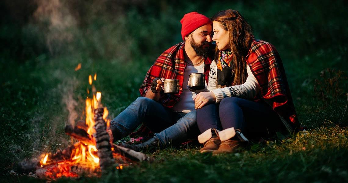 How to talk on a picnic date  to make it an unforgettable experience