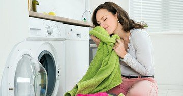There are many good household cleaning tips and methods allowing the washing to retain its freshness