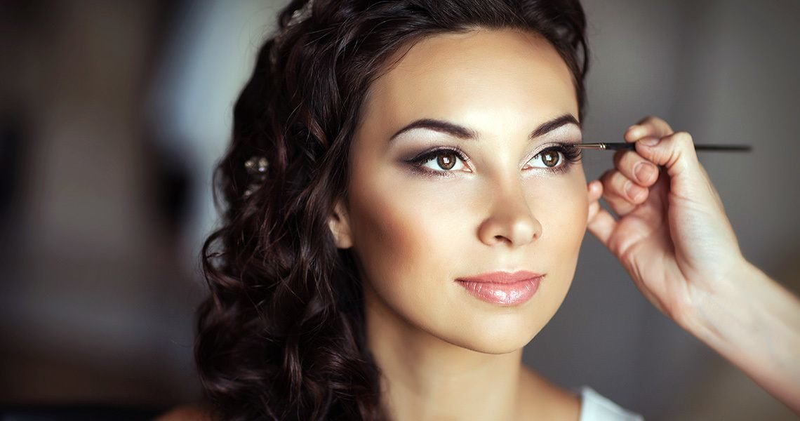 Perfect wedding makeup matching the choice of dresses for weddings is best left to the professionals