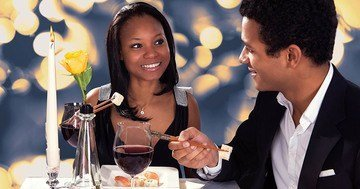 Conversations on a date require sensitivity so listen to our online dating advice and talk about things that are close to each of us