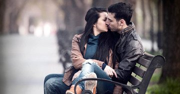 Kissing on the first date may ruin a promising relationship